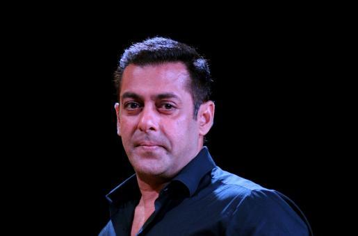 Did Salman Khan Snub Priyanka Chopra's Mother? Here is the Truth
