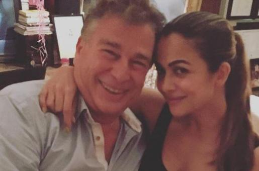 Do You Recognise the Kapoor Posing with Amrita Arora at Kareena Kapoor Khan's Birthday Bash?