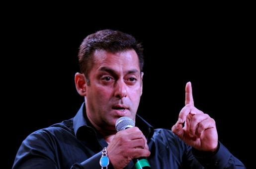 Salman Khan's Touching Video of a Person of Determination Sketching Him is Winning People's Hearts
