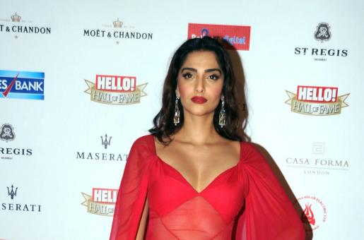 Is Sonam Kapoor Holidaying With Alleged Boyfriend Anand Ahuja in London?