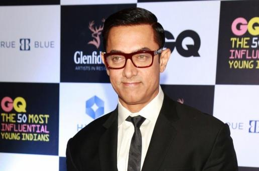Aamir Khan Reveals Why He Spits On Actress' Hands