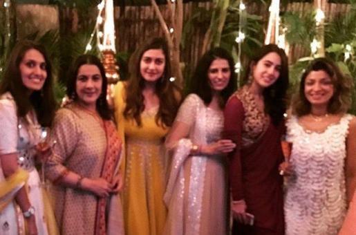 Mother-Daughter Amrita Singh and Sara Ali Khan's Uncanny Resemblance