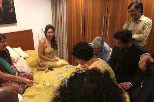 Shah Rukh and Gauri Celebrate Diwali at Aamir Khan's Home