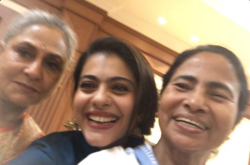 Kajol's Adorable Selfie With Mamata Banerjee and Jaya Bachchan