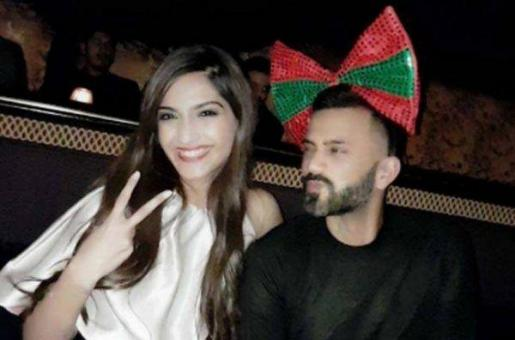 Guess Who Joined Sonam Kapoor For Anil Kapoor's Birthday Celebration?