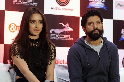Is Shraddha Kapoor Living in with Farhan Akhtar?