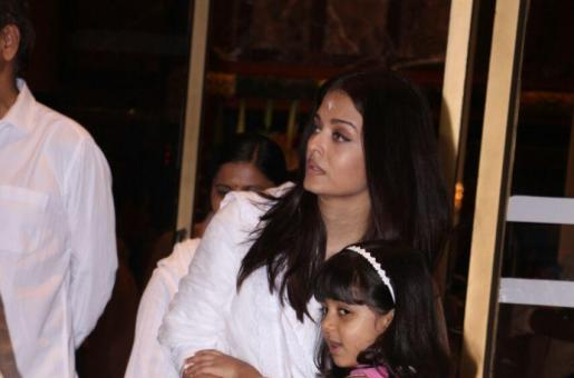 Aishwarya Rai Bachchan on Bringing up Aaradhya: 'I Like Doing Everything for Her Myself'