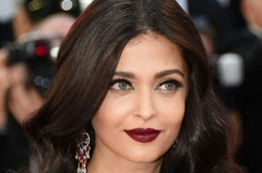 Surprise! Aishwarya Rai Bachchan Might Finally Make her Social Media Debut