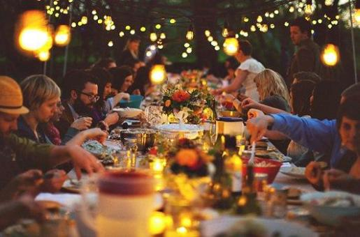 Host the Perfect Outdoor Iftar Gathering