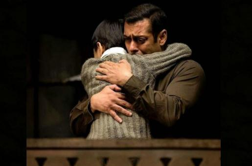 Tubelight Failure: Salman to Compensate for the Losses