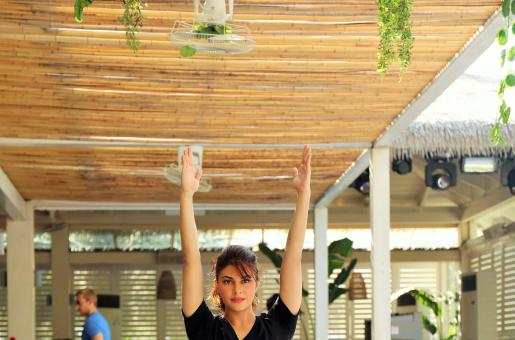 Check Out Jacqueline Fernandez's Hot Yoga Moves In Dubai!