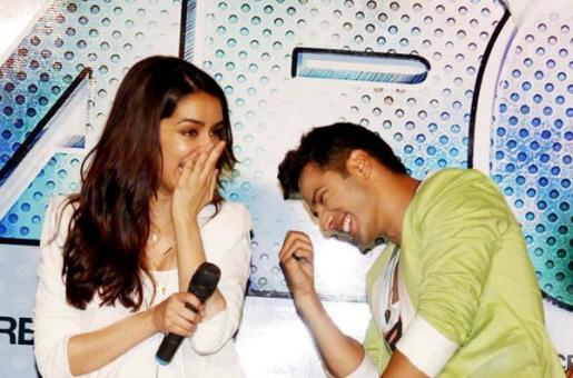 10 Times Bollywood Stars Played Silly