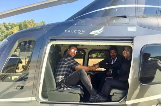 Take a Look at Akshay Kumar and Rajinikanth Arriving in a Helicopter for the 2.0 Press Meet