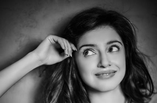 From Favourite Bag to Preferred Evening Look, Divya Khosla Kumar Gives us a Peek into Her Coveted Closet