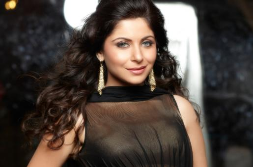 Complaint Filed Against Singer Kanika Kapoor for Cheating an Event Company