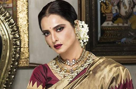Rekha to Perform Live on Stage After 20 Whole Years!