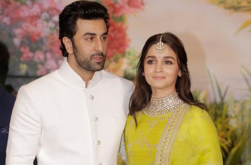 Ranbir Kapoor and Alia Bhatt Leave for Bulgaria