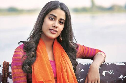Janhvi Kapoor Gives Retro Vibes At Jio MAMI Mumbai Film Festival 2019