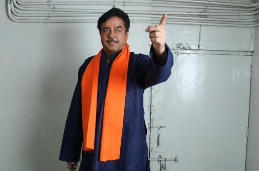 Shatrughan Sinha's Friend Pahlaj Nihalani Releases a Song in Praise of PM Narendra Modi
