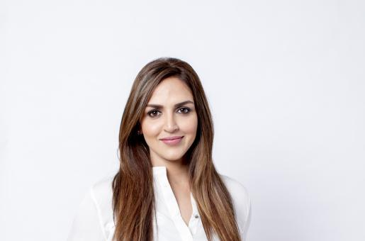 """""""It Has a Wonderful Message for Today's Couples"""": Esha Deol on her Comeback Film 'Cakewalk'"""