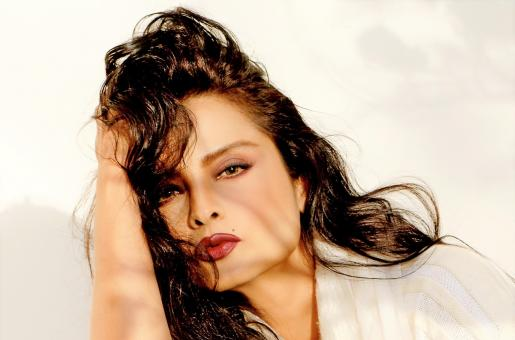 Rekha Birthday Special:  What Makes Rekha So Mysterious?