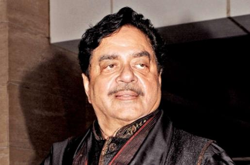 'What Happened to Innocent Until Proven Guilty'? Shatrughan Sinha Defends His Friend Subhash Ghai