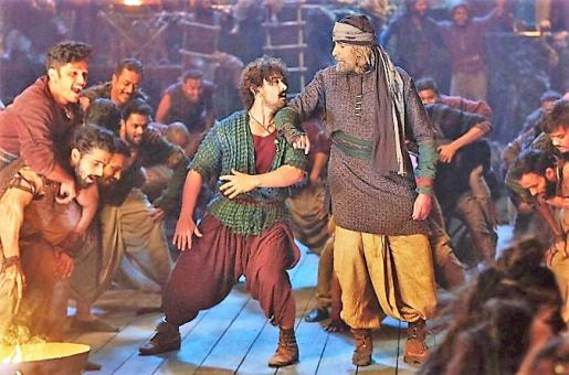 Thugs of Hindostan Movie Review: This Amitabh Bachchan-Aamir Khan Movie is All Fluff, No Stuff