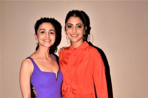 Star Spotting: Alia Bhatt-Anushka Sharma At An Event, Hrithik Roshan At The Airport and Deepika Padukone Papped