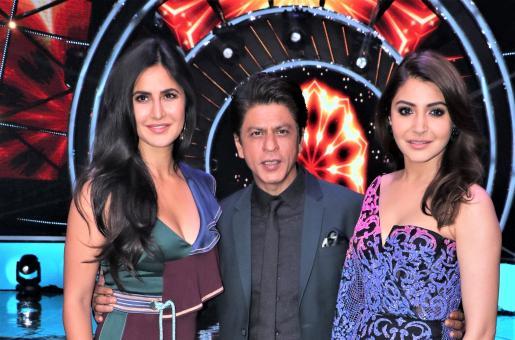 Zero Promotions: Shah Rukh Khan, Anushka Sharma and Katrina Kaif Are All Smiles On the Sets Of A Reality Show