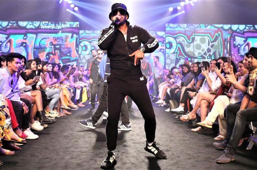 Gully Boy Promotions Gone Wrong; Ranveer Singh's Dive Hurts His Fans