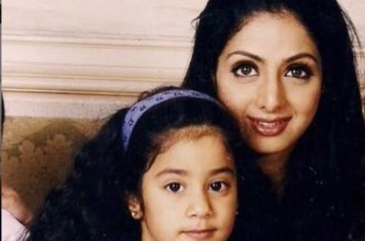 Throwback Thursday: Our Favorite Jahnvi Kapoor and Sri Devi Photos