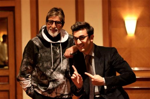 """Amitabh Bachchan Is Being """"Extra Sweet"""" To Ranbir Kapoor. Here's Why"""