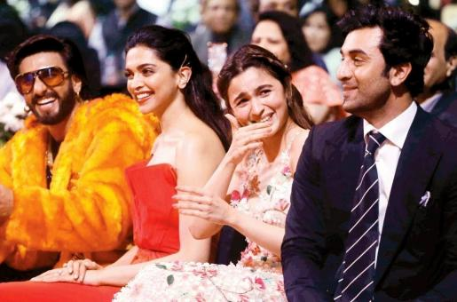Ranbir Kapoor and Alia Bhatt Share an Awkward (Cute) Kiss; the Video Takes the Internet by Storm