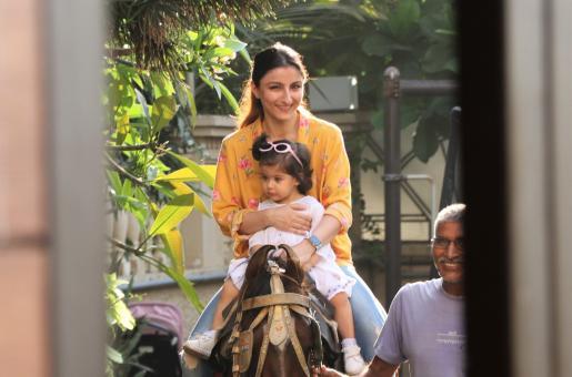 Soha Ali Khan Is A Doting Mom To Inaaya