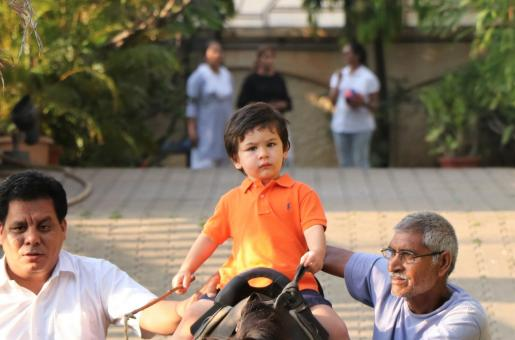 Media's Taimur Ali Khan Obsession: What the Khans and Kapoor Say About It