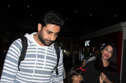 Aishwarya Rai-Abhishek Bachchan Back From Their Anniversary Trip With Daughter Aaradhya!