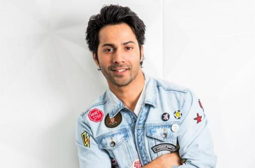 Varun Dhawan Turns 32! Check Out 5 Of His Most Gentlemanly Moments