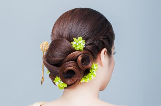 Top 3 Hairstyles for Would-Be Brides