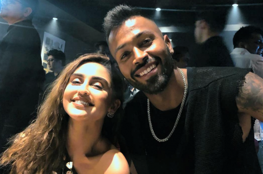 Krystle D'souza Trolled for Posting a Picture with Hardik Pandya