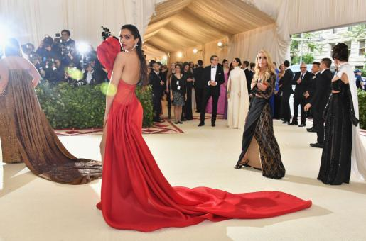 Throwback: 16 Pics from Met Gala that Show Fashion at its Most Creative
