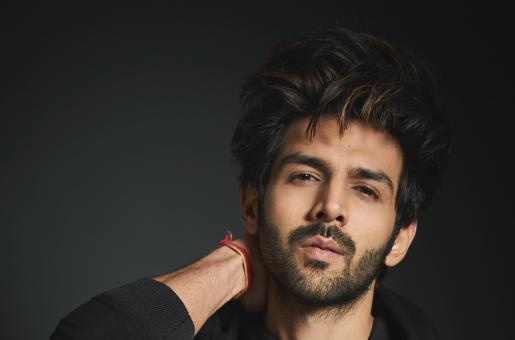 Kartik Aaryan's Recent Video With Amitabh Bachchan Is All Things Love