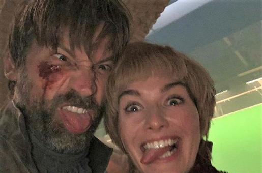 Game of Thrones: Jamie Lannister's Hand Grows Back in This Scene with Cersie Lannister. Another Editing Fail?