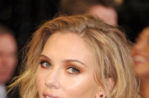 Scarlett Johansson, Colin Jost Announce Engagement