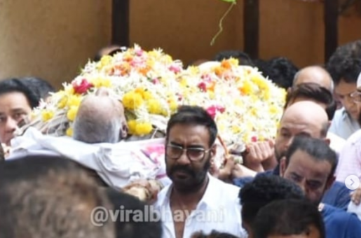 Veeru Devgn's Funeral [Video]: Ajay Devgn Light the Pyre to Bid Final Goodbye