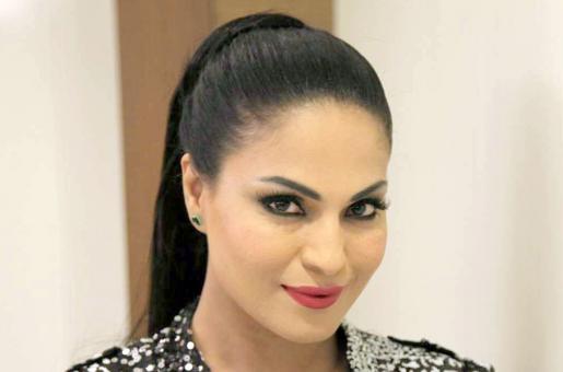 Veena Malik Trolled For Taking Jibe at Indian PM, Missing IAF Plane