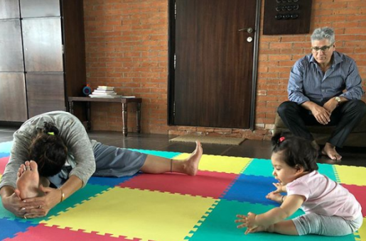 Kunal Kemmu and Baby Inaaya Naumi Kemmu's Cutest Little Exercise Pic Made Our Day