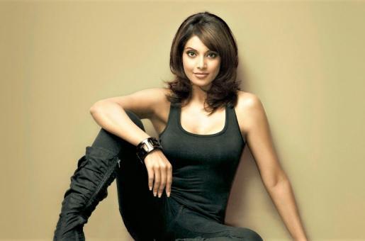 Bipasha Basu's Aerobic Dance Workout Routine