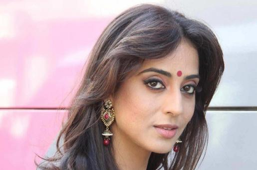 Mahie Gill's Daughter Will Turn 3 in August and This is Why She Did Not Want to Talk About It