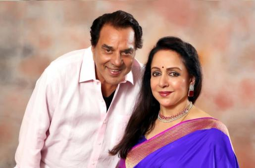 Dharmendra's Honest Reply to a Question About His Wife Hema Malini's Sweeping Skills is the Best Thing We Have Seen!