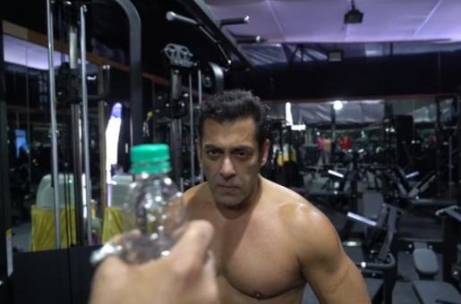 Salman Khan's Bottle Cap Challenge has an Important Social Message